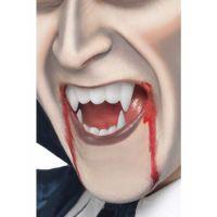 Bild på Vampyrtänder Med Blod